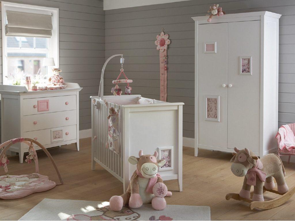 Decoraci n de habitaciones de beb s cl sicas - Sillones habitacion bebe ...